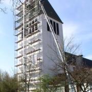 Einrüstung der St. Heinrich-Kirche in Schloß Holte 3