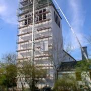 Einrüstung der St. Heinrich-Kirche in Schloß Holte 2
